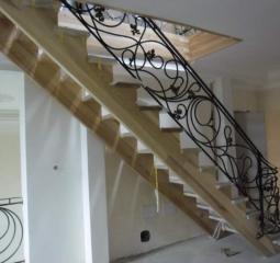 Цены на металлические перила для лестниц
