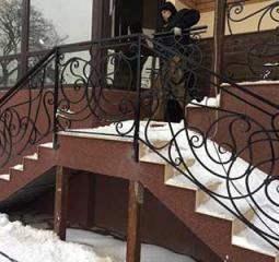 Качественные лестничные ограждения из металла