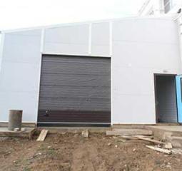 Купить автоматические секционные гаражные ворота